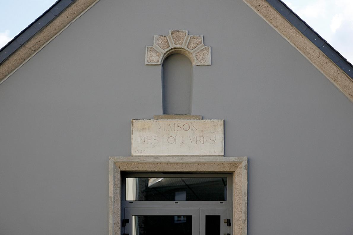 détail façade presbytère Retiers